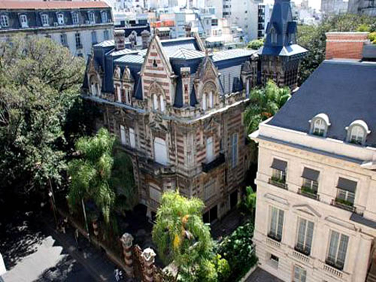 Alvear and Montevideo - Recoleta